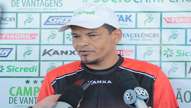 """Odil Soares exalta seu jogadores em classificação do Luverdense: """"Estamos crescendo"""""""