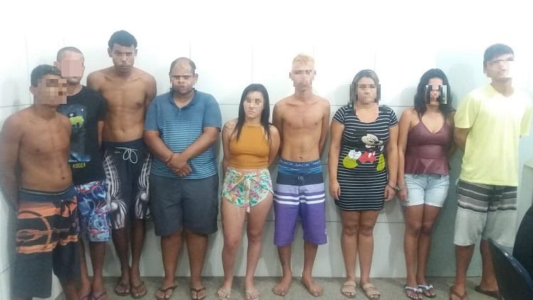 PM prende membros do Comando Vermelho vendendo drogas no bairro Bela Vista
